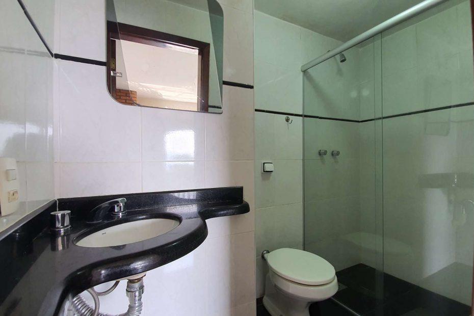 banheiro da suíte 4 na pousada bela mauá